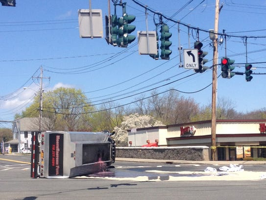 Oil truck overturns on Route 59 in Nanuet