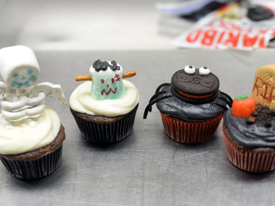 Cupcake creations by Elisabeth Lenhart October 20, 2014.