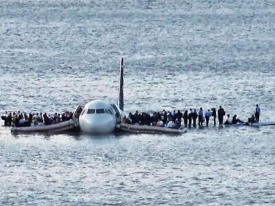 sully-hudson-plane.JPG
