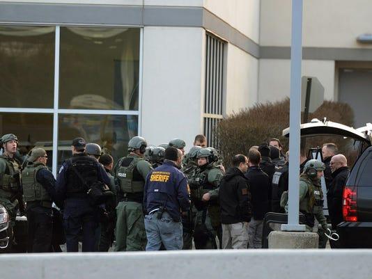 swat-team-hotel-040616.jpg