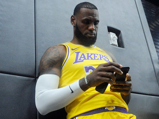76c0a3e7751 When is LeBron James  first game with LA