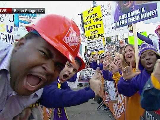 The best College GameDay signs from Alabama-LSU