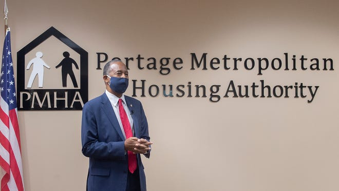 U.S. Department of Housing and Urban Development Secretary Ben Carson, visited the Portage Metropolitan Housing Authority to discuss the Foster Youth to Independence initiative, which offers housing vouchers to local public housing authorities to prevent or end homelessness among young adults.