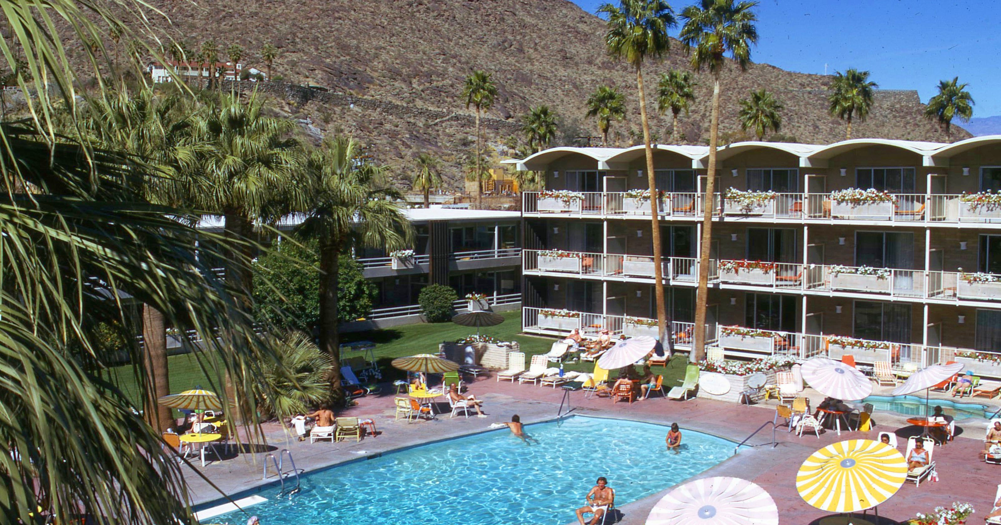 Palm Springs Hotels >> Palm Springs History The Garlicks Built Up Oasis Hotel