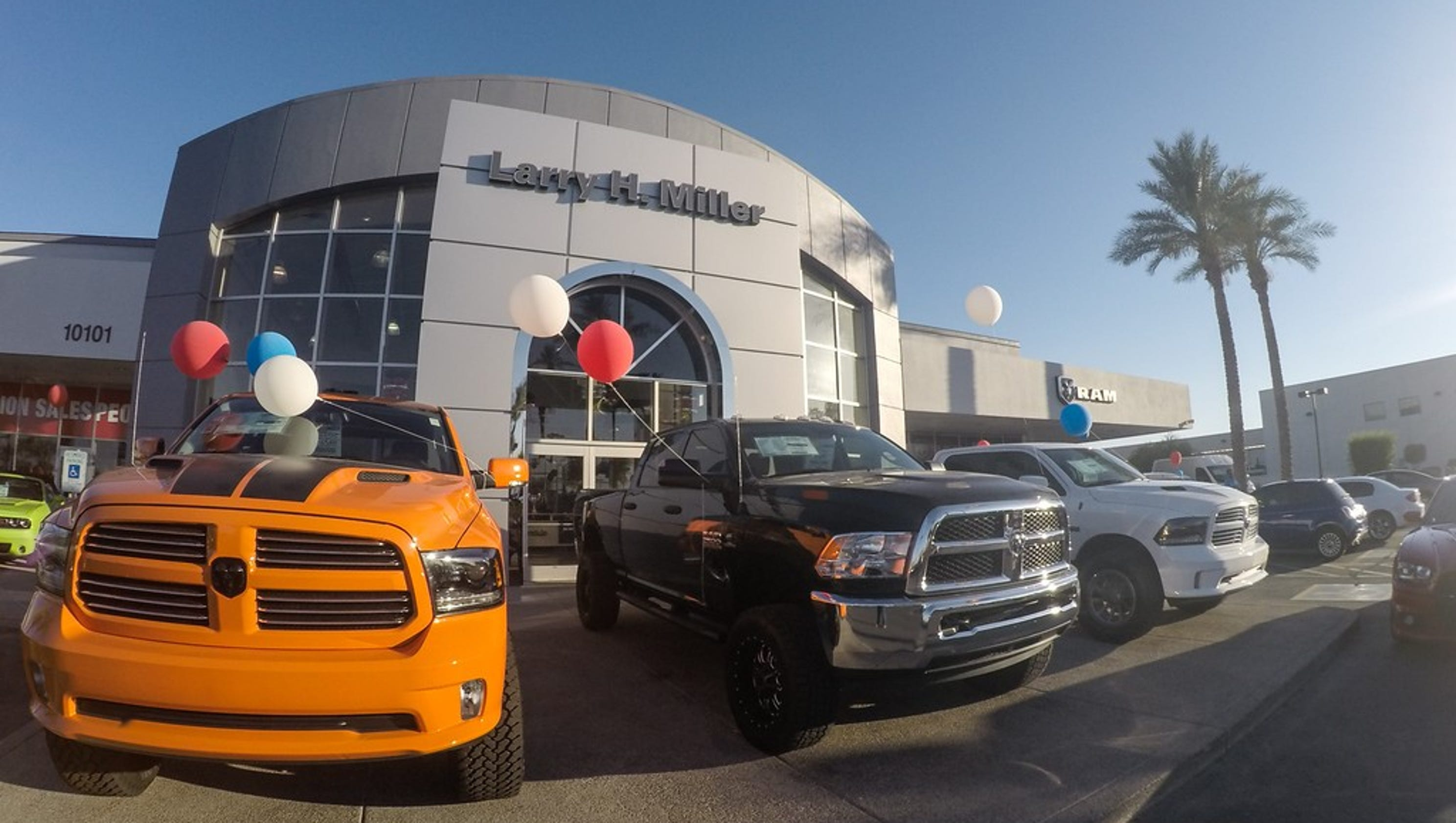 No Hassle Sales At Lhm Dodge Ram Avondale Earns Awards