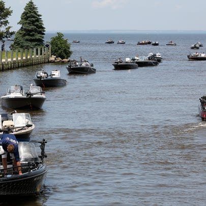 Fishermen come in from Lake Winnebago Saturday to have