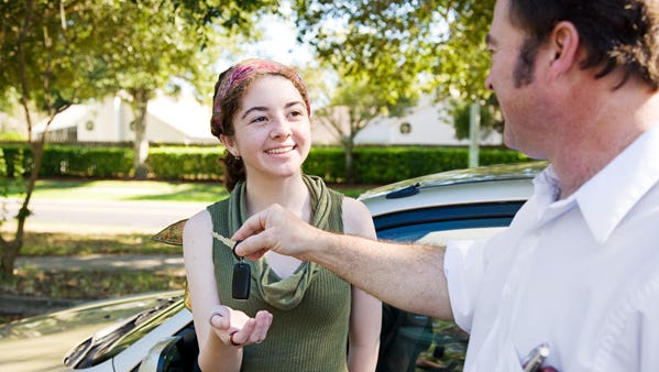 Teen safety apps help to better monitor your teen and their driving habits.