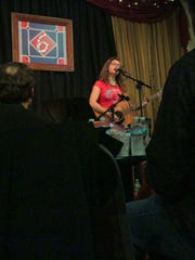 Singer-songwriter Lucy Kaplansky performs at 6 On The