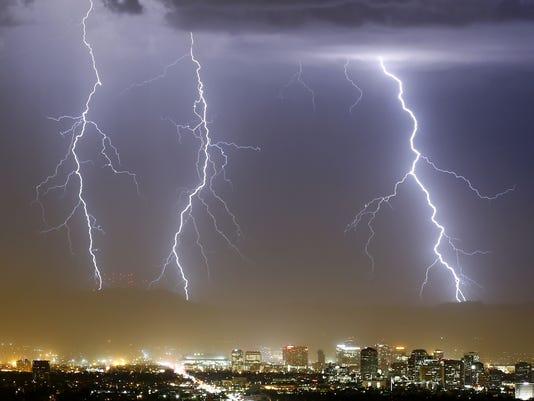 08.11.2015 Monsoon Lightning Storm