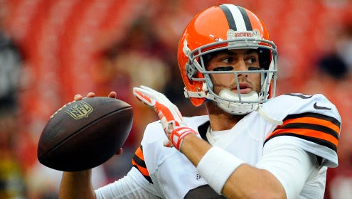 Aug 18, 2014; Landover, MD, USA; Cleveland Browns quarterback Brian Hoyer (6) warms up before the game against the Washington Redskins at FedEx Field. Mandatory Credit: Brad Mills-USA TODAY Sports ORG XMIT: USATSI-180638 ORIG FILE ID:  20140817_ajw_au2_332.JPG