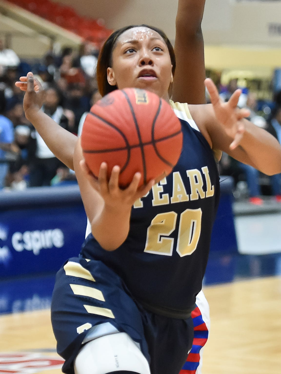 Pearl's Jayla Alexander (20) drives against Warren Central during the MHSAA Girls 6A Tournament held at Jackson State in Jackson MS.(Photo/Bob Smith)