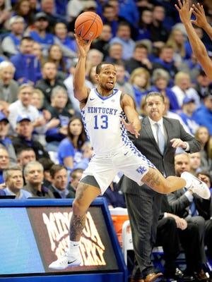 LEXINGTON, KY - JANUARY 03:  Isaiah Briscoe #13 of the Kentucky Wildcats passes the ball during the game Texas A&M Aggies at Rupp Arena on January 3, 2017 in Lexington, Kentucky.  (Photo by Andy Lyons/Getty Images)