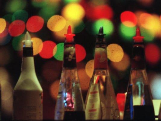 635891391771501238-drinking-111400-bottles-ad.JPG