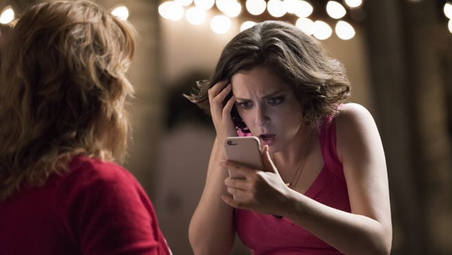 Rachel Bloom, right, and Donna Lynne Champlin star in CW's 'Crazy Ex-Girlfriend.'