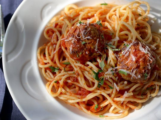 Spaghetti and Meatballs All'Amatriciana provides 72 grams of carbohydrates.