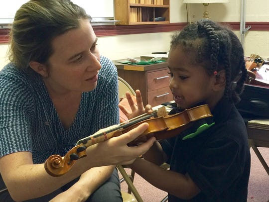 Carrie Holden teaching at the Bach Parley String Academy.