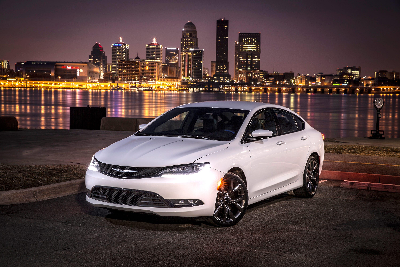 Chrysler 200: Special Care