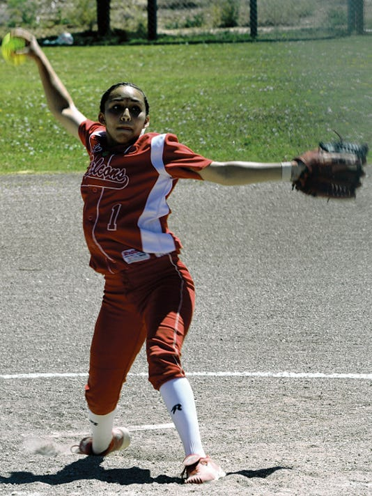 Matt Hollinshead — Current-Argus Loving sophomore pitcher Leliana Rodriguez throws in the top of the second inning Saturday against Eunice. Rodriguez tossed a complete game en route to an 11-1 fifth-inning mercy rule win.