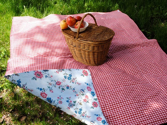 SewnNatural creates eco-friendly picnic blankets.