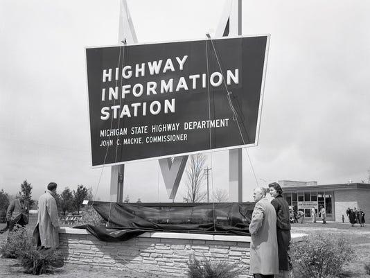 636657126834747936-Mackinaw-City-Welcome-Center-sign-circa-1959.jpg