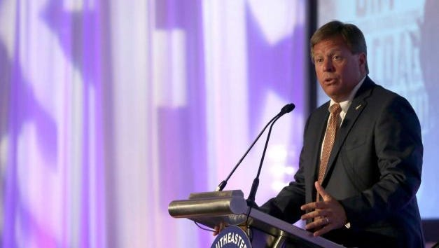 Florida coach Jim McElwain ready to start his first season leading the Gators.