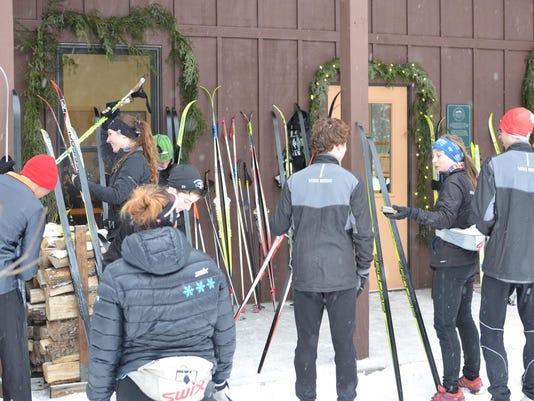 blueberry-trail-Skiers-dnr