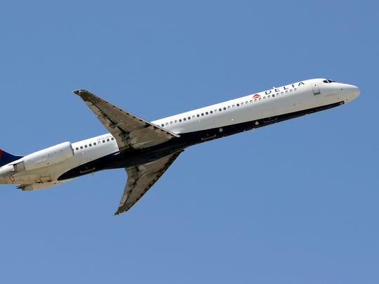 AP Earns-Delta Air Lines