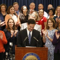 Robb: Gov. Doug Ducey is playing politics. Will lawmakers play budget grown-ups?