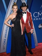 Faith Hill and Tim McGraw giving us #Goals.