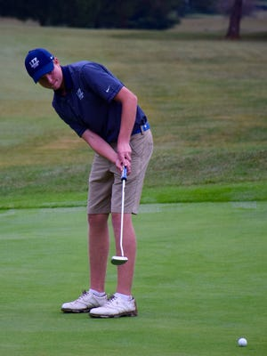 Robert E. Lee's Thomas Otteni watches his putt on the 3rd  green during the Conference 36 golf championship on Monday, Sept. 26, 2016, at Winton Country Club in Clifford, Amherst County, Va.