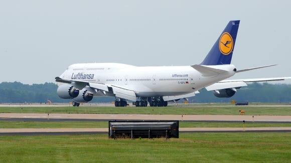 Lufthansa Flight 416 from Frankfkurt arrives to Washington