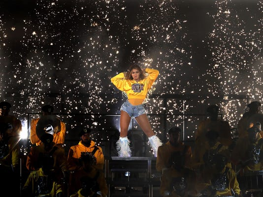 Beyonce announces $100,000 in scholarships to black colleges