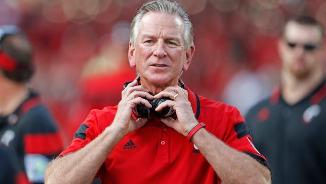 UC's Tommy Tuberville watches his team against Ohio State.