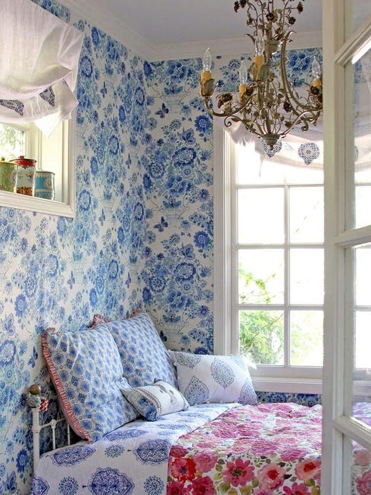 Cover Your Walls In Fabric : Fabric covered walls an easy cozy diy project