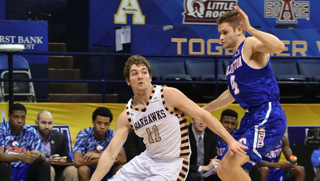 ULM guards Nick Coppola (11) and Justin Roberson for 14 assists and all five Warhawk starters scored in double figures.