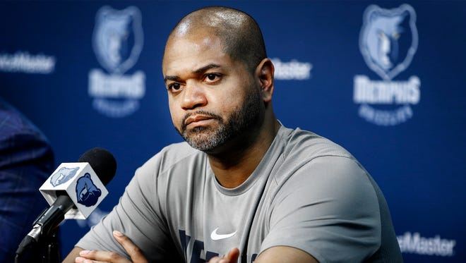 Grizzlies interim head coach J.B. Bickerstaff