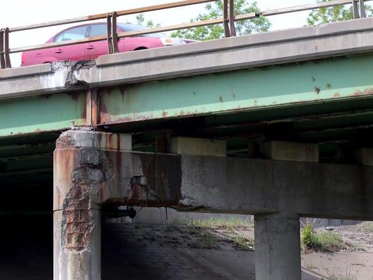 IMG_bridge1.jpg_1_1_44AT9J37.jpg_20150527.jpg