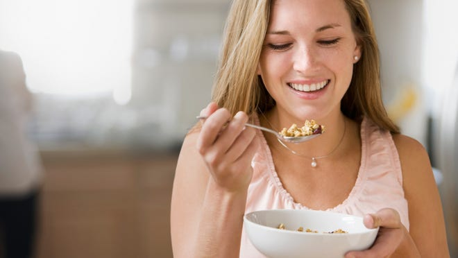 Chew slowly and enjoy the texture of the food, its flavor and vibrant colors, and the food's aroma.