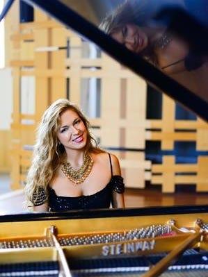 Svetlana Smolina will perform at P.R. Leyva on March 15 at 7:30 p.m.