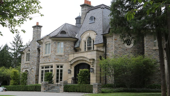 The valuation of 12 Sherbrooke Road rose 49 percent, to $9.5 million, in 2014, dipped to $8.9 million in 2015, and declined to $8 million in 2016.