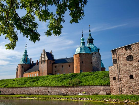 Kalmar's mighty castle — restored in the 19th century