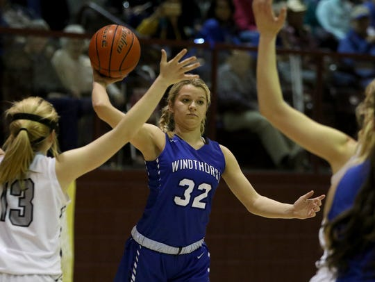 This is Tatum Veitenheimer's last chance at leading the Windthorst Trojanettes to the state tournament.