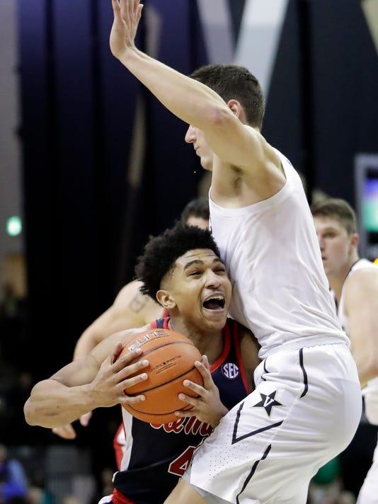 Mississippi_Vanderbilt_Basketball_65841.jpg