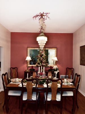 Seasonal table decor at The Burden House