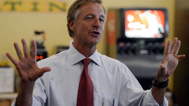 Gov. Bill Haslam speaks to supporters at the Bakers Rack in downtown Jackson on Monday morning.