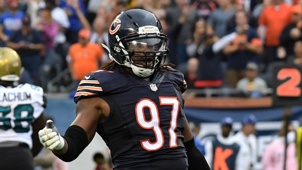 Chicago Bears linebacker Willie Young celebrates during