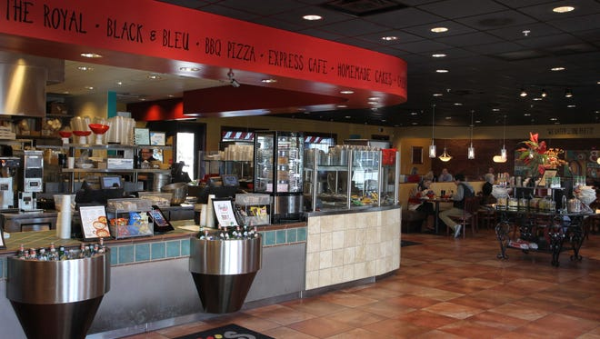 Salads, toasted sandwiches, soups and California-style pizzas are on the menu at Newk's Eatery.