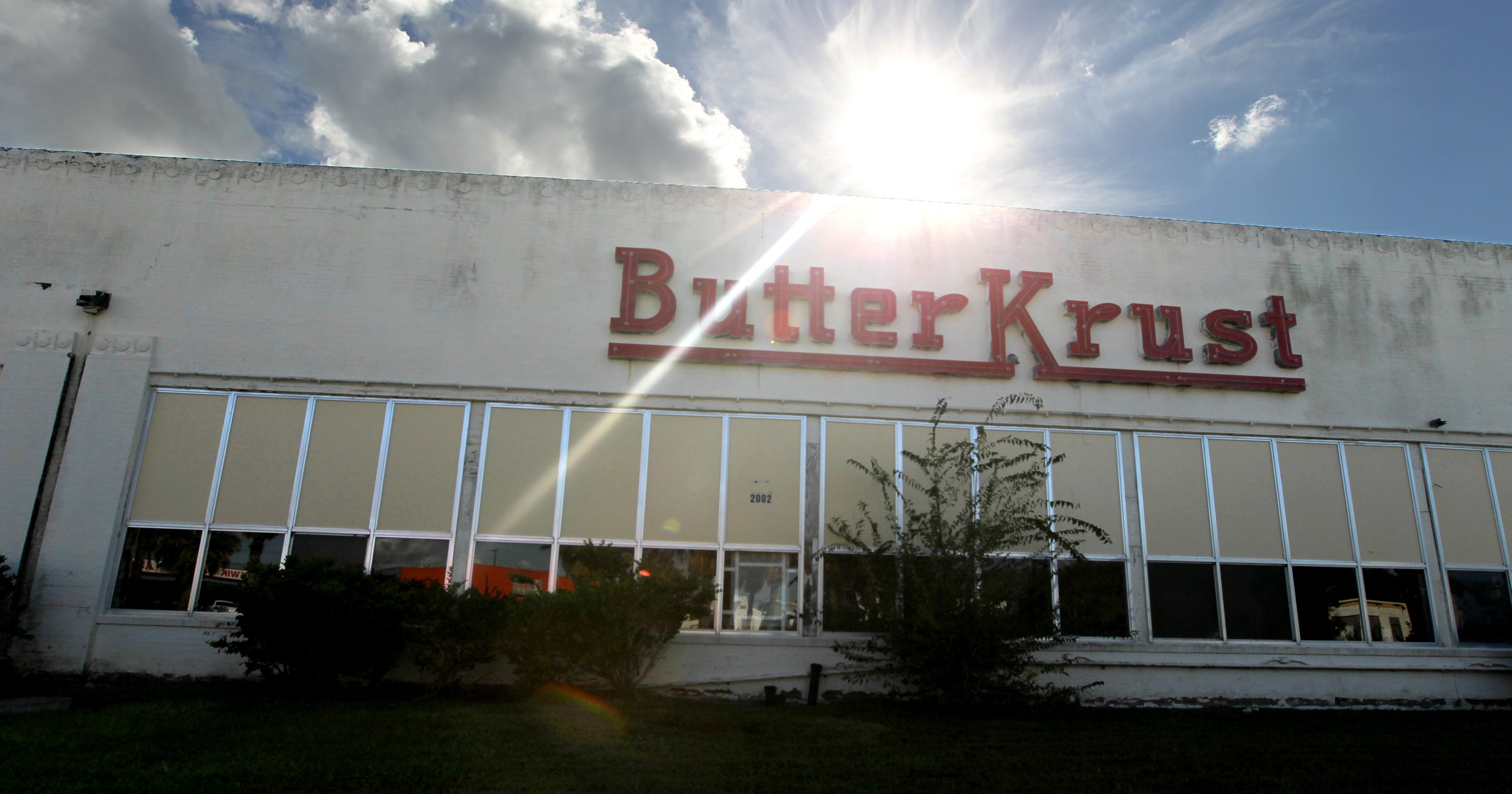 Corpus Christi S Butter Krust Building Will No Longer Sit