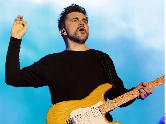 """El colombiano de 46 años, Juanes, prendió """"Fuego"""" en"""