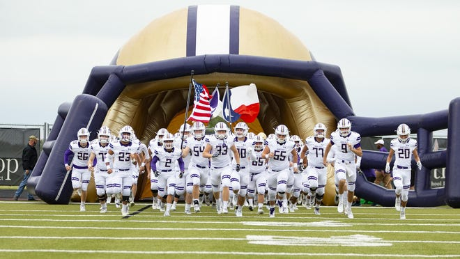 Marble Falls rallied late to take a 34-33 win over Elgin Friday.
